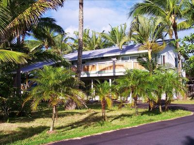 Kapoho Palms, with large tropically landscaped yard