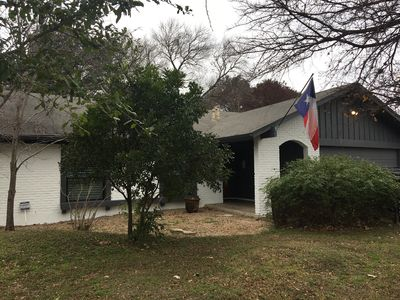 Photo for Charming south Austin home in a quiet neighborhood close to downtown