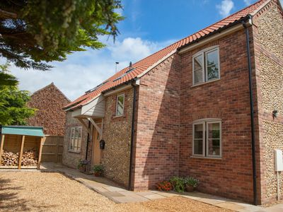 Photo for A beautifully presented new build cottage-style house in a quiet position.