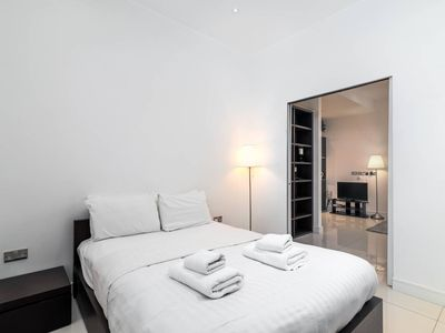 Photo for Bright 1 bed home next to Picadilly Circus! Fits 3