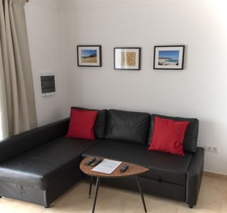 Photo for Luxurious one bedroom apartment with pool and sea views