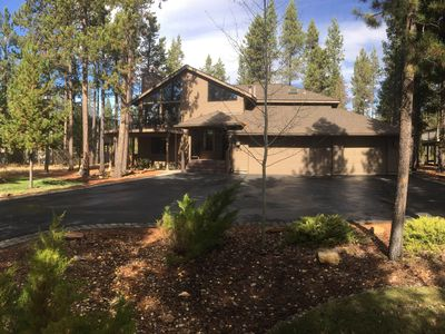 Photo for 5 Bdrm, 4.5 Bath-3 Master Suites-Hot Tub-Sauna- Backs up to the Forest