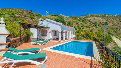 Photo for Spacious villa with nice views in Competa