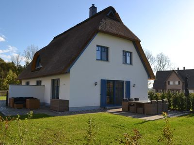 Photo for Semi-detached thatched house with 3 bedrooms, fireplace, near the beach in Rerik