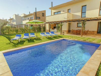 Photo for Charming house for 6 people with private pool just 4 kilometers from L'Escala