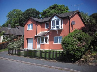 Photo for Oaklands is a detached house less than a mile from the centre of Saundersfoot village, with its popu