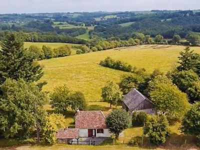 Photo for Magnificently situated Perigueux labourers cottage