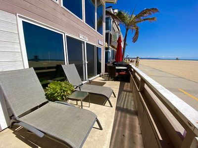 "Photo for ""Ocean Retreat"" Lovely Oceanfront Year Round Vacation Rental w/ AC"