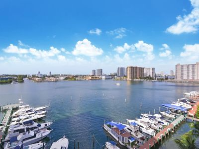 Photo for A perfect combination of relaxation by the water and prime location
