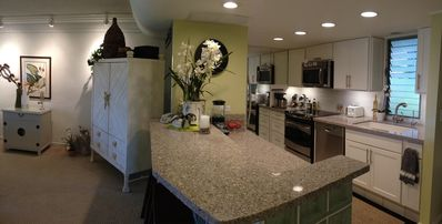 Beautiful Kitchen & Breakfast Bar. Fully Equipped For Dining or Entertaining.
