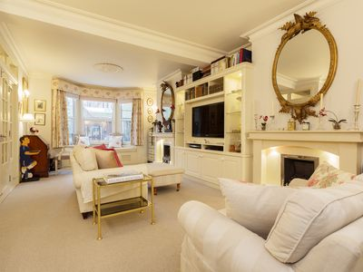 Photo for Classically-styled 3 bed house in family friendly Fulham, Sleeps 6 (Veeve)
