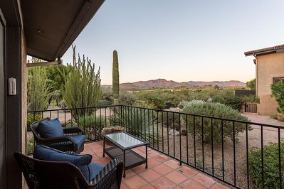 Your Private Patio - Desert Views (Private BBQ Grill Included)