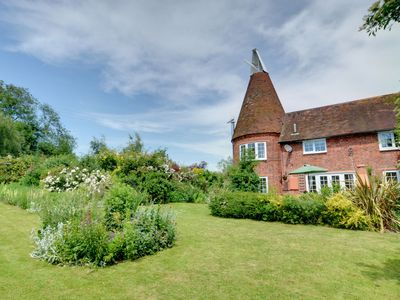 Photo for Traditional Kentish oast house set in a semi-rural location with far reaching countryside views