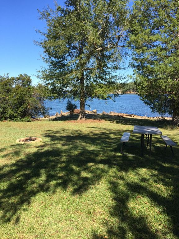 Quiet lakefront cabin beautiful lake murray property for Lakefront cabins june lake