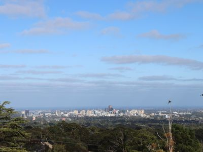 Photo for Tranquil hilltop with spectacul view-15mins from CBD