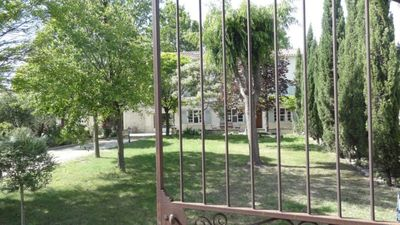 Photo for Charming Residence - Private and fenced swimming pool - Beautiful wooded park - free wifi