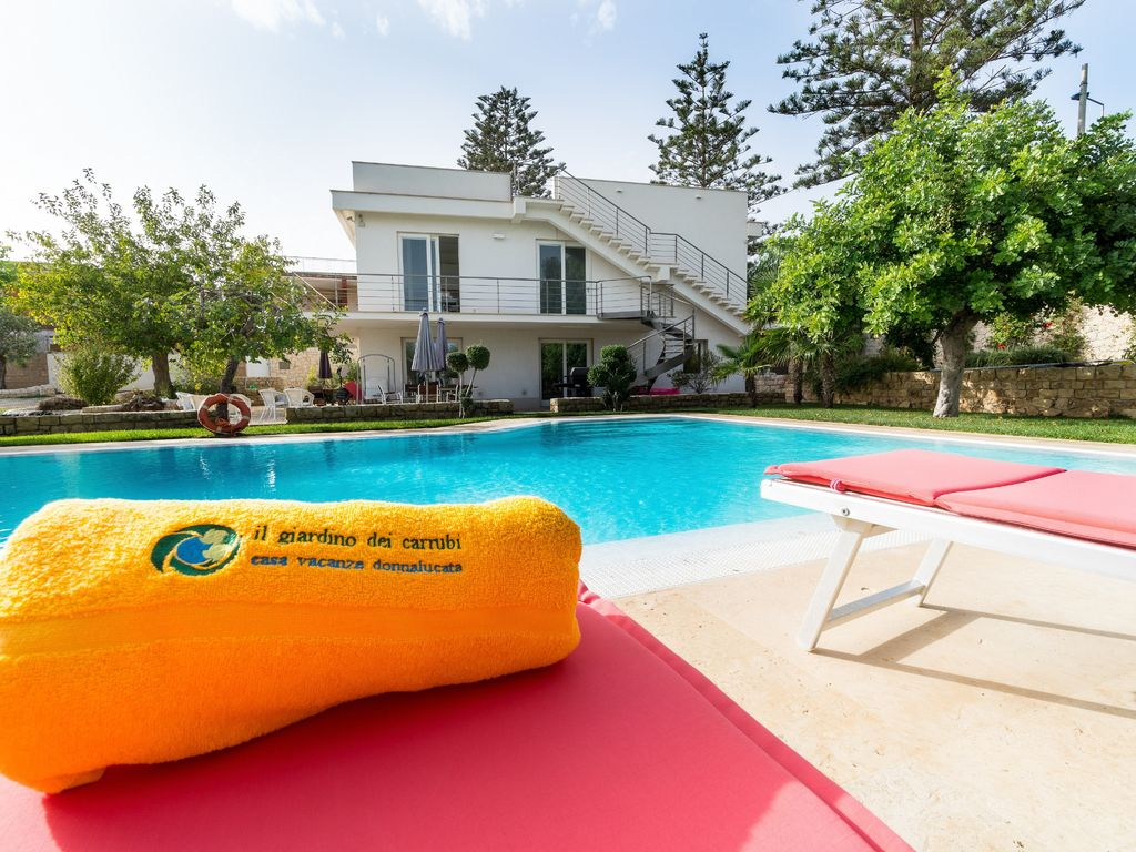 Holiday House In Villa Ground Floor With Swimming Pool And Garden 100 Meters From The Sea