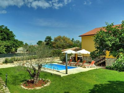 Photo for Sunny finca with private pool, volleyball court, washing machine, air conditioning, wifi, terrace, barbecue