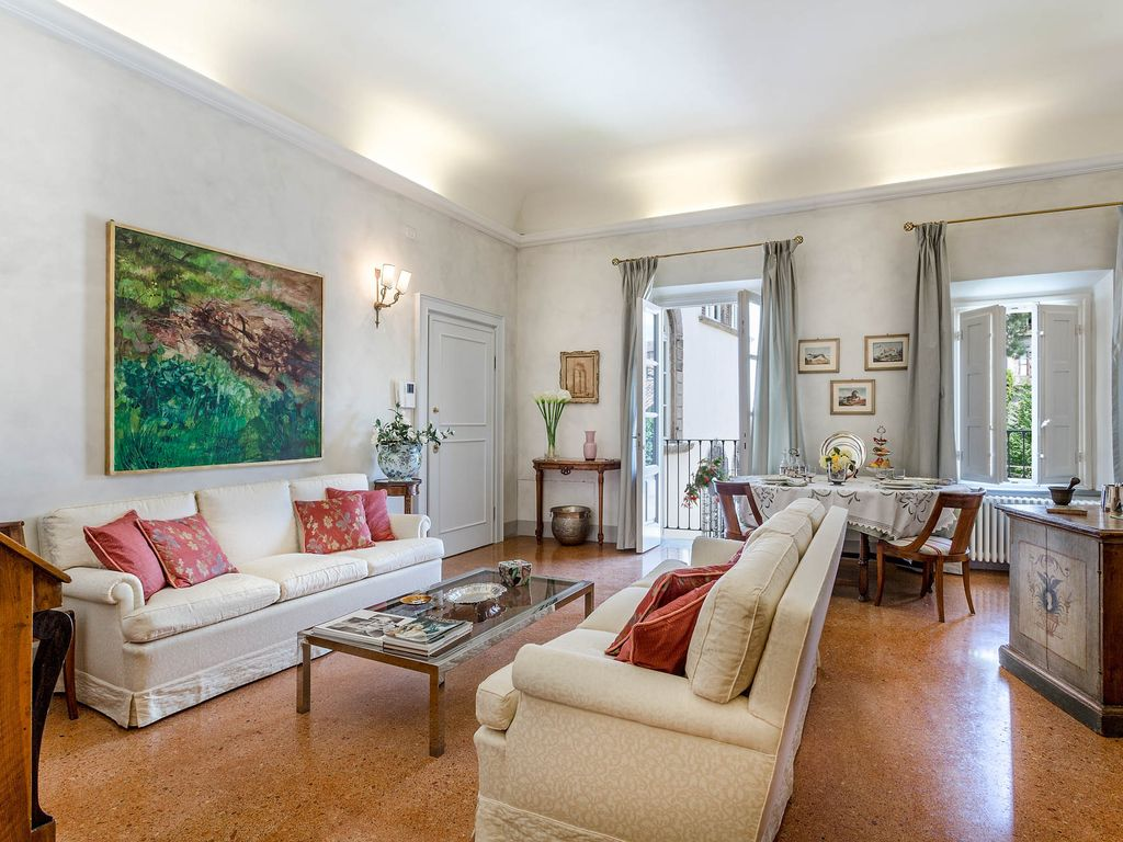 Lucca apartment rental & ROSE APARTMENT: SMART APARTMENT WITH ELEVATOR and A/C INSIDE THE ...