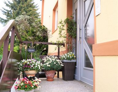 Photo for Bright, friendly 2-room apartment close to the city center