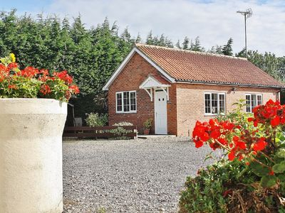 Photo for 4 Star Rated Detached Holiday Cottage, 1 Bedroom + Sofa Bed Sleeps 2/4