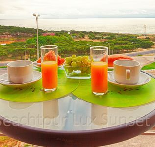 Photo for Apt in condominium with pool and magnificent sea view, ideal for families
