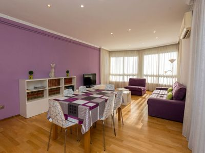 Photo for 2 bedroom Apartment, sleeps 4 in Barcelona with Air Con and WiFi