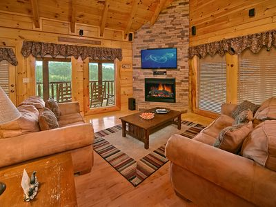 Bear Hug  Bear Creek Crossing   Bear Hug Is A Luxury 2 Bedroom Cabin  Rental, Located In The Bear Creek Crossing Resort.