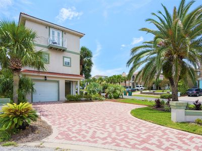 Photo for Sand Dollar Oasis | Pool |Volleyball |Tennis| Deeded Beach Access | Under 5 Min Walk | FREE Fun Pass