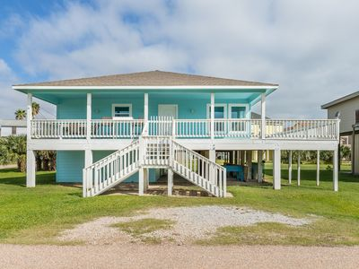 Gulf-View Coastal Retreat | Near Jamaica Beach, Schlitterbahn, Moody Gardens