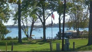 The Sheppard Chalets on Diamond Lake, Michigan - Private/Beach Lake Access/NICE!