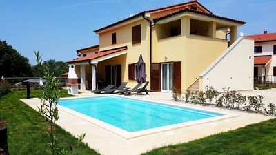 Photo for Holiday home Villa Banjole 8 + 2 persons with private pool