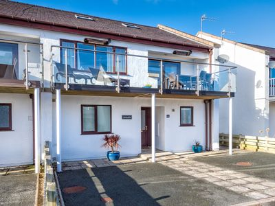 Photo for Located on the popular Cae Du estate and walking distance to Abersoch's long sandy beach and renowne