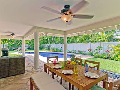 Enjoy the Family all Relaxing Island Style - just steps to Kailua Beach!