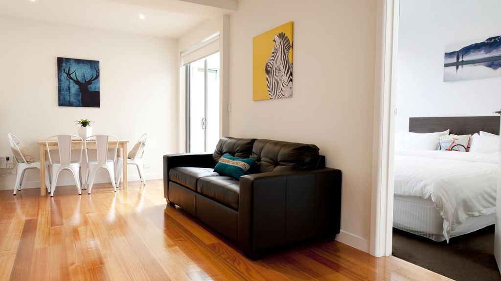 Position Perfect - The Courtyard No.4 Brunswick