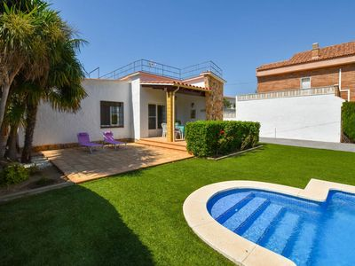 Photo for Lovely apartment for 6 guests with private pool, WIFI, TV and pets allowed