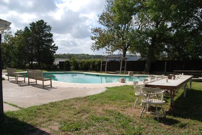 pool and entertaining area, great for small weddings