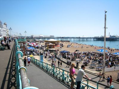Photo for Beside the Seaside Apartment - sleeps 2 to 4 guests - fast wifi