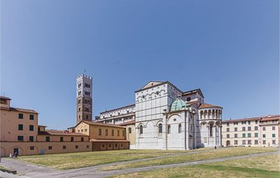 Photo for 4 bedroom accommodation in Monte San Quirico -LU-