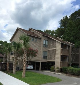 Photo for 90 Second Walk to Palmetto Dunes Beach, 2 Hours Free Tennis Daily, WIFI
