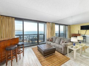 Oceanfront, Modern 1BR, 1 BA at the Golden Sands, Ocean City MD