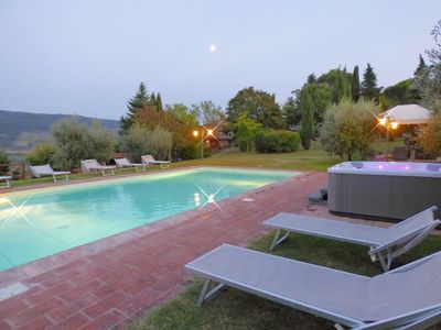 Photo for Independent villa in the panoramic countryside