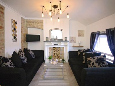 Photo for Driftwood 2 Bedroom Penthouse Apartment Broadstairs