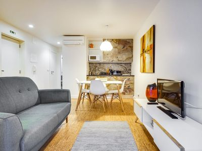 Photo for Cosy Modern 1BDR Apt in Central Lisbon