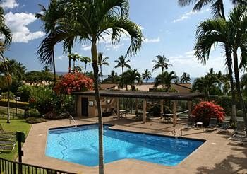 Shhh!!! This is the quiet pool to enjoy the peace of the island breezes.