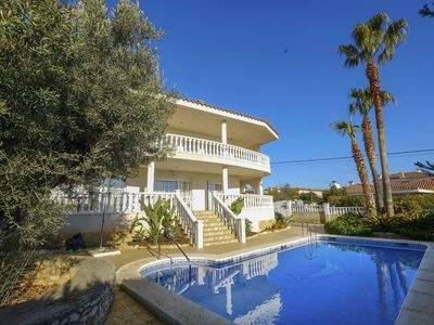 Photo for Wonderful private villa for 12 guests with private pool, internet, balcony and parking