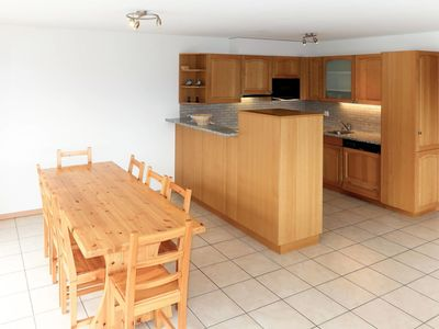 Photo for Cosy apartment for 8 guests with WIFI, hot tub, TV, balcony and parking