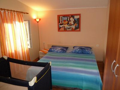 Photo for Studio flat with balcony and sea view Vinišće, Trogir (AS-13648-a)
