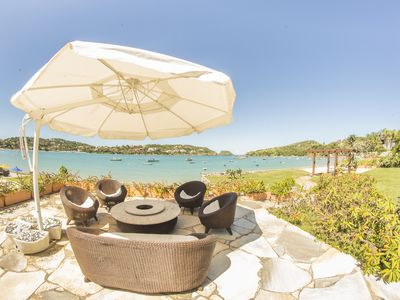 Photo for Charming Mansion with Six Suites Foot in the Sand of the Beach. Ferradura / Búzios