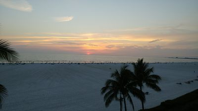 Beautiful Sandarac 2BR 2BA Gulf Front w/Magnificent Sunsets, Fully Renovated